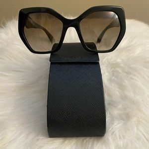 Prada sunglasses SPR 16R new without tags